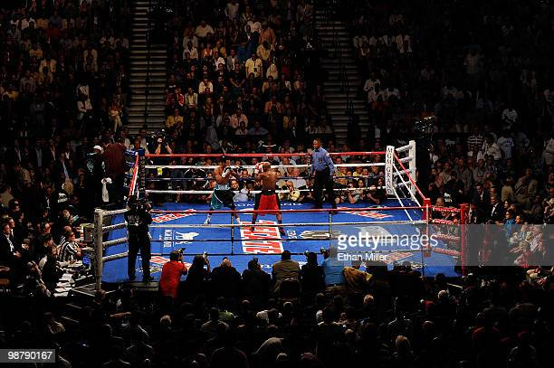 General view of Floyd Mayweather Jr. And Shane Mosley in the ring during the welterweight fight at the MGM Grand Garden Arena on May 1, 2010 in Las...