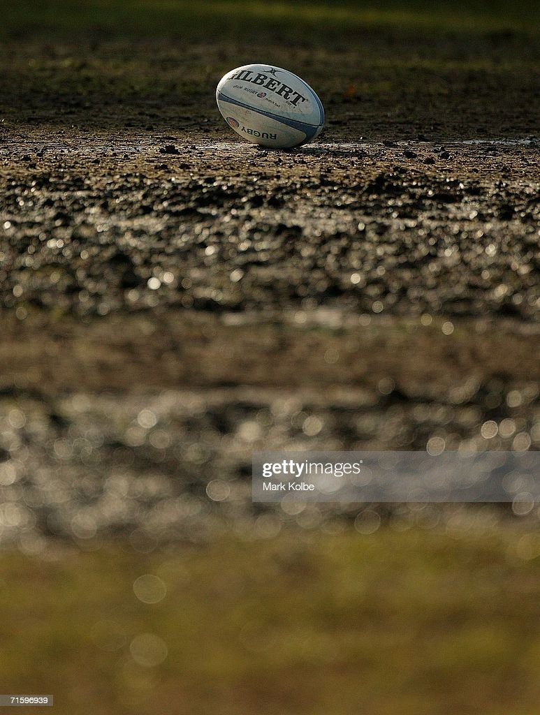 A general view of football on a muddy pitch during the Tooheys New Cup Rd 10 match between Sydney University and Penrith at Sydney University Oval, August 5, 2006 in Sydney, Australia.