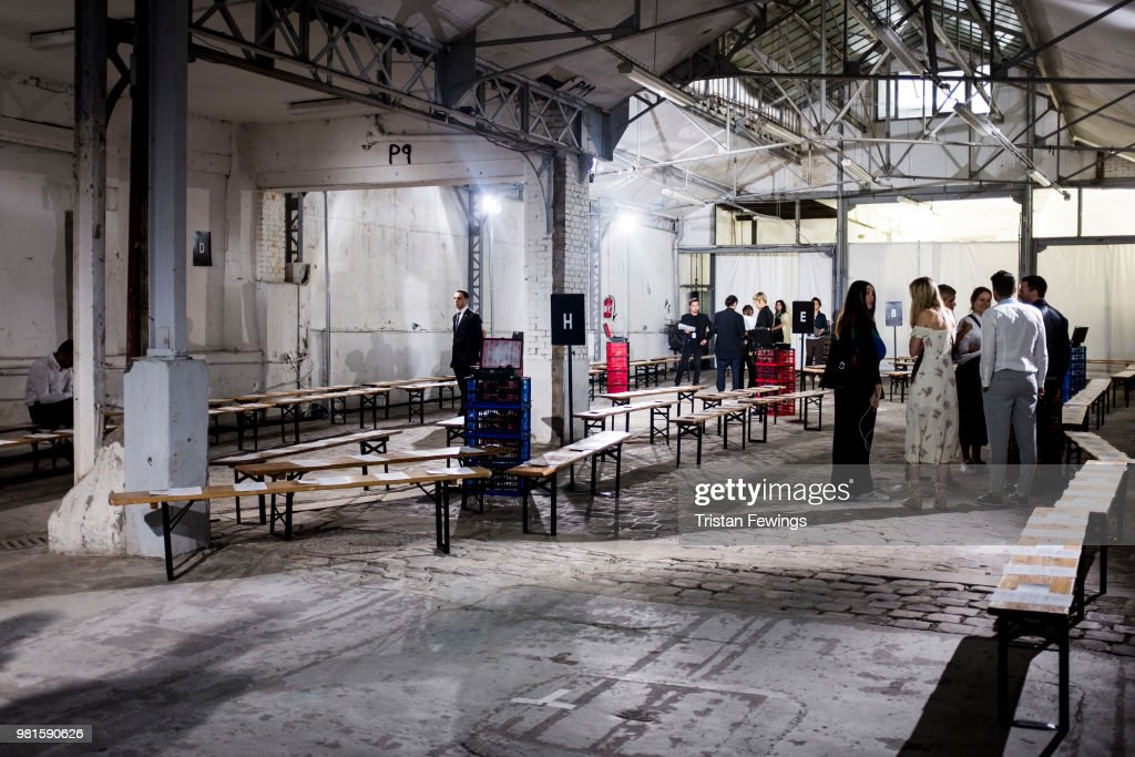 Paris Fashion Week Venues - Menswear Spring/Summer 2019 : ニュース写真