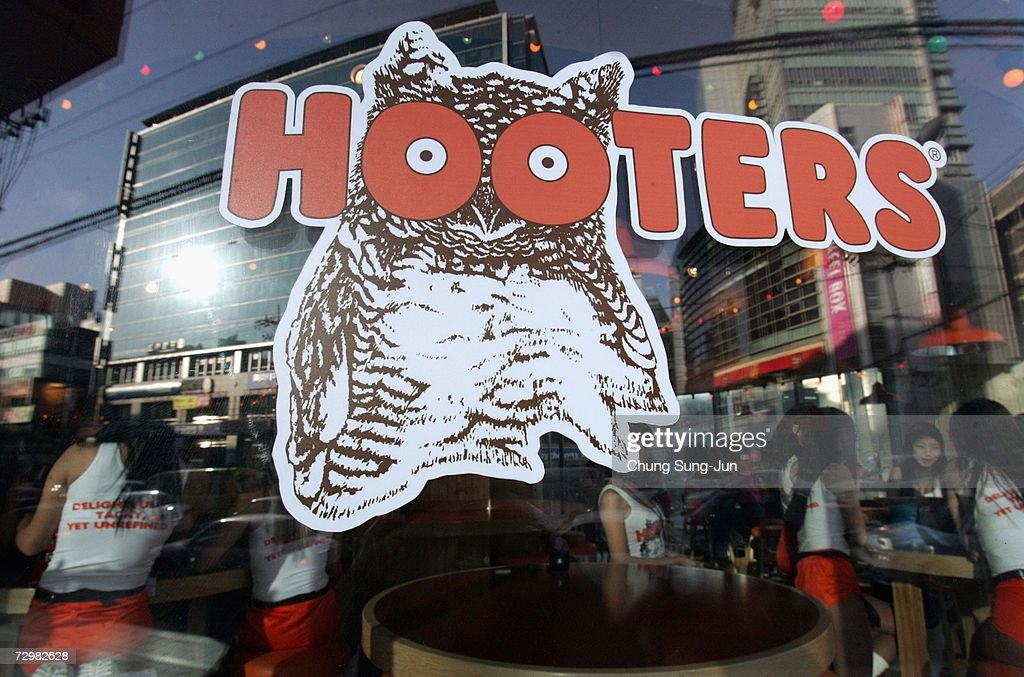 Hooters Prepares For First South Korean Restaurant : News Photo