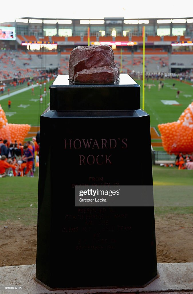 A General View Of Howard S Rock At Memorial Stadium On October 19 News Photo Getty Images Howard tommy jerry moon (julian barratt) is best friend of vince noir, despite being very different characters. 2