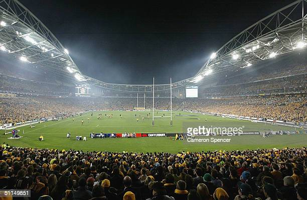 General view of kick off ahead of the Bledisloe Cup match between the Australian Wallabies and the New Zealand All Blacks at Telstra Stadium August...