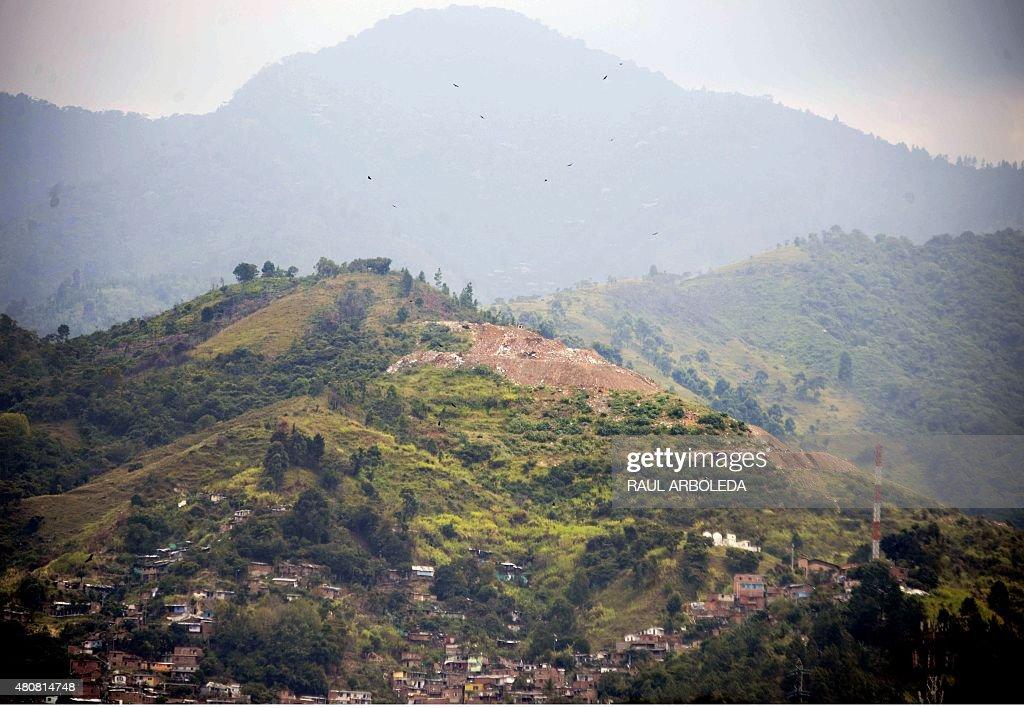 COLOMBIA-CONFLICT-ESCOMBRERA-MASS-GRAVE : News Photo