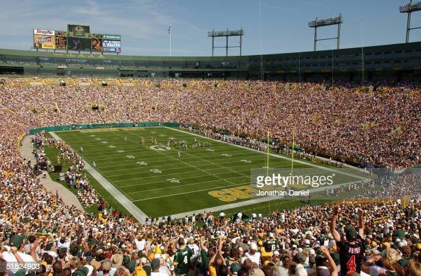 A general view of Lambeau Field during the game between the Green Bay Packers and the Chicago Bears on September 19 2004 in Green Bay Wisconsin The...