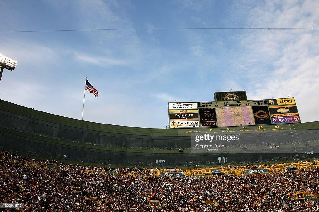 Indianapolis Colts v Green Bay Packers : News Photo