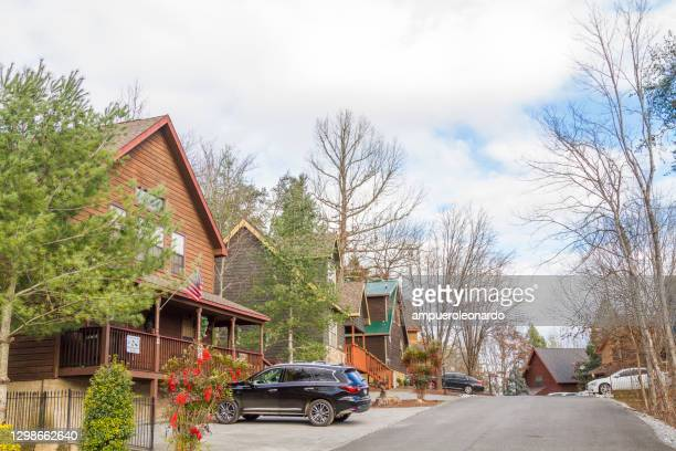 general view of middle-class neighborhood architecture at pigeon forge, tennessee, usa - pigeon forge stock pictures, royalty-free photos & images