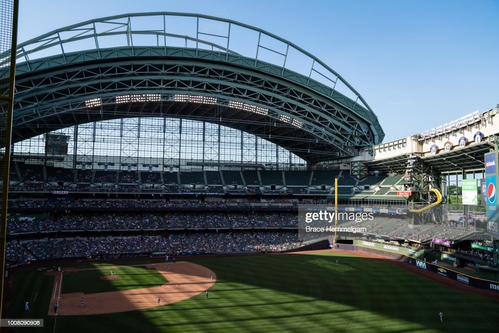 Minnesota Twins v Milwaukee Brewers : News Photo