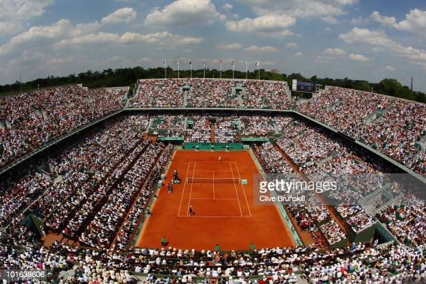 A general view of Philippe Chatrier court during the women's singles final match between Francesca Schiavone of Italy and Samantha Stosur of...