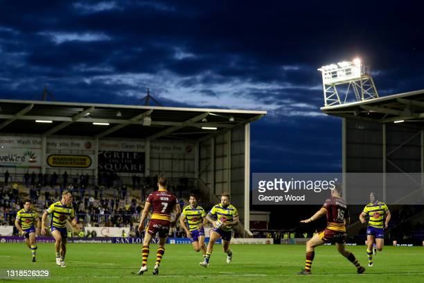 General view of play as Blake Austin of Warrington Wolves runs with the ball during the Betfred Super League match between Warrington Wolves and...