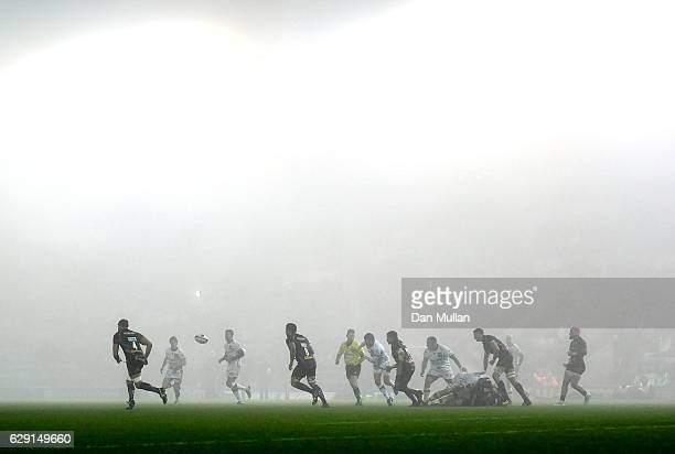 General view of play as fog descends over the pitch during the European Rugby Champions Cup match between Exeter Chiefs and Bordeaux Begles at Sandy...
