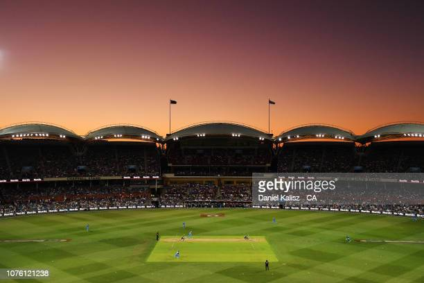 General view of play at sunset during the Big Bash League match between the Adelaide Strikers and the Sydney Thunder at Adelaide Oval on December 31,...