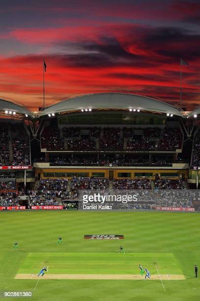 A general view of play at sunset during the Big Bash League match between the Adelaide Strikers and the Melbourne Stars at Adelaide Oval on January 9...
