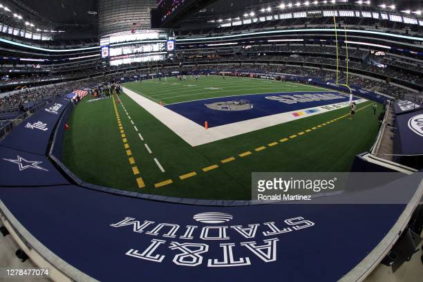General view of play between the Cleveland Browns and the Dallas Cowboys in the first quarter at AT&T Stadium on October 04, 2020 in Arlington, Texas.