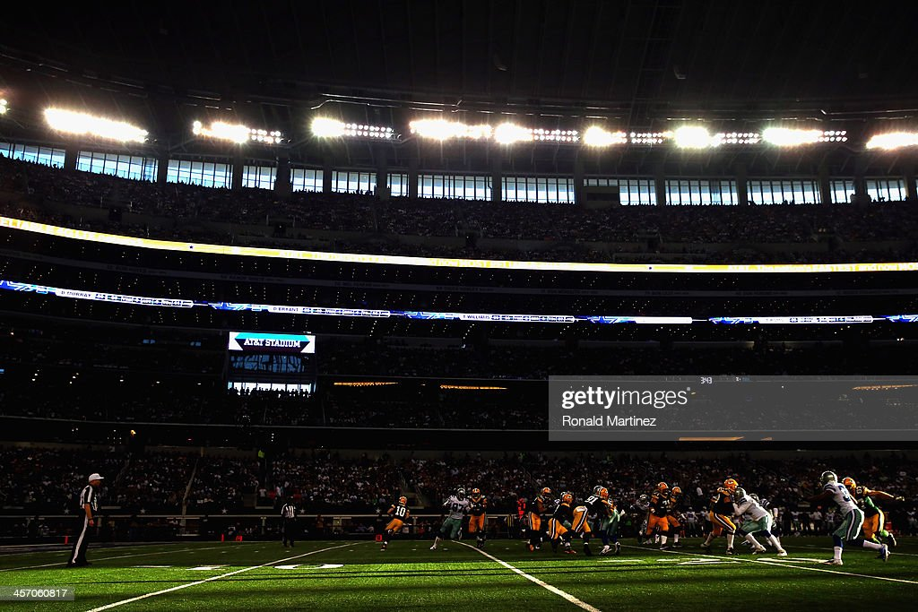 A general view of play between the Green Bay Packers and the Dallas Cowboys at Cowboys Stadium on December 15, 2013 in Arlington, Texas.