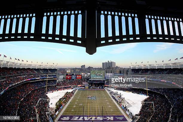 General view of play between the Kansas State Wildcats and the Syracuse Orange during the New Era Pinstripe Bowl at Yankee Stadium on December 30,...