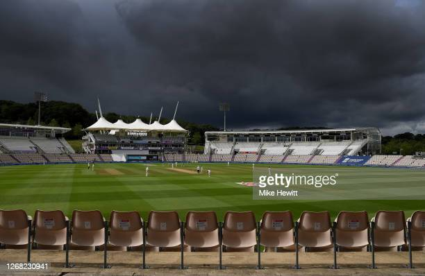 General view of play during Day Four of the 3rd #RaiseTheBat Test Match between England and Pakistan at the Ageas Bowl on August 24, 2020 in...