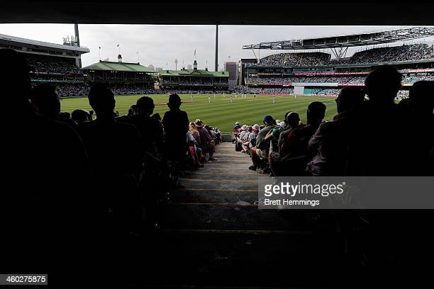 A general view of play during day one of the Fifth Ashes Test match between Australia and England at Sydney Cricket Ground on January 3 2014 in...