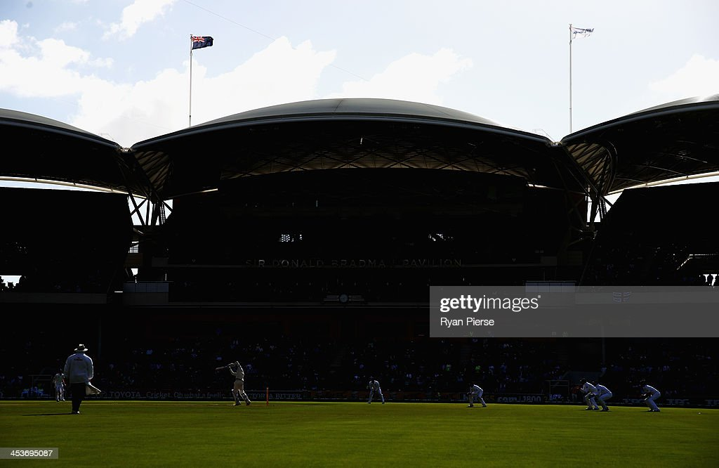 A general view of play during day one of the Second Ashes Test Match between Australia and England at Adelaide Oval on December 5, 2013 in Adelaide, Australia.