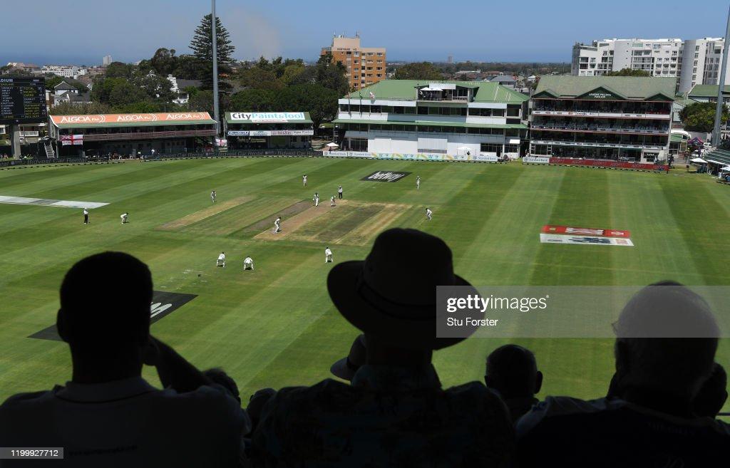 South Africa v England - 3rd Test: Day 1 : Nachrichtenfoto