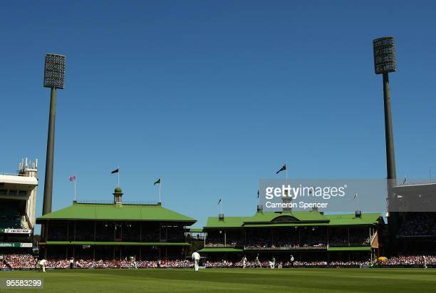 General view of play during day three of the Second Test match between Australia and Pakistan at Sydney Cricket Ground on January 5, 2010 in Sydney,...