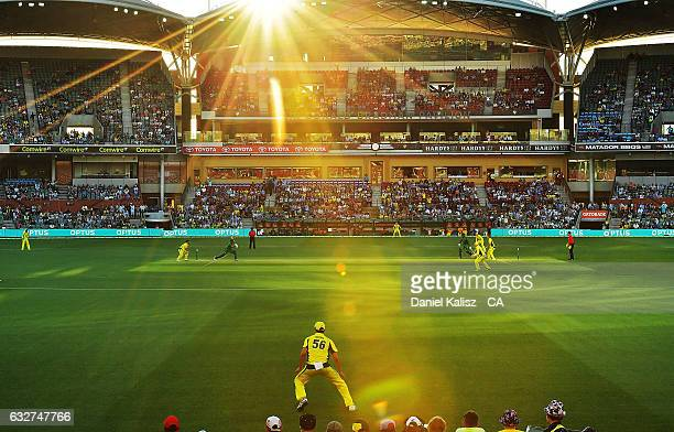 A general view of play during game five of the One Day International series between Australia and Pakistan at Adelaide Oval on January 26 2017 in...