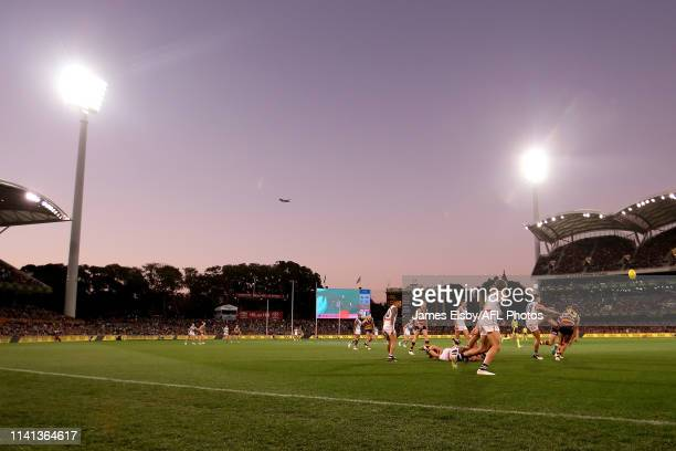 General view of play during the 2019 AFL round 07 match between the Adelaide Crows and the Fremantle Dockers at Adelaide Oval on May 05, 2019 in...