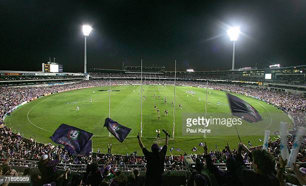General view of play during the AFL Second Semi-final match between the Fremantle Dockers and the Melbourne Demons at Subiaco Oval on September 15,...