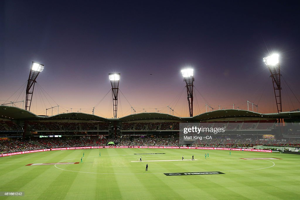 A general view of play during the Big Bash League match between the Sydney Thunder and the Melbourne Stars at Spotless Stadium on January 17, 2015 in Sydney, Australia.
