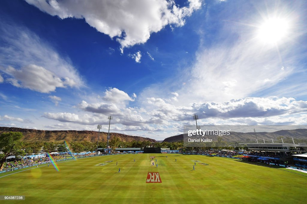 A general view of play during the Big Bash League match between the Adelaide Strikers and the Perth Scorchers at Traeger Park on January 13, 2018 in Alice Springs, Australia.
