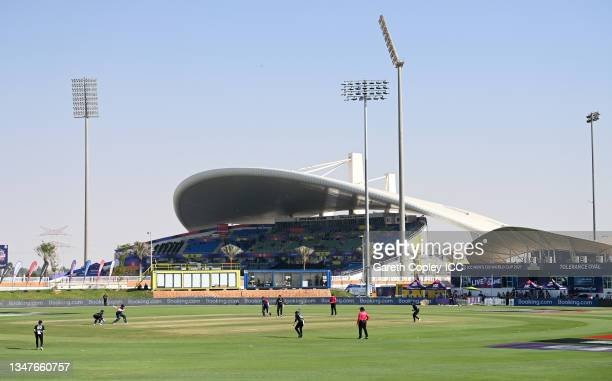 General view of play during the England and New Zealand warm Up Match prior to the ICC Men's T20 World Cup at on October 20, 2021 in Abu Dhabi,...