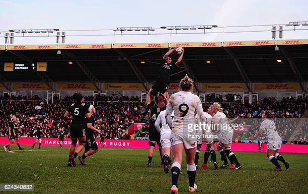 General view of play during the Old Mutual Wealth Series match between England Women and New Zealand Women at Twickenham Stoop on November 19 2016 in...