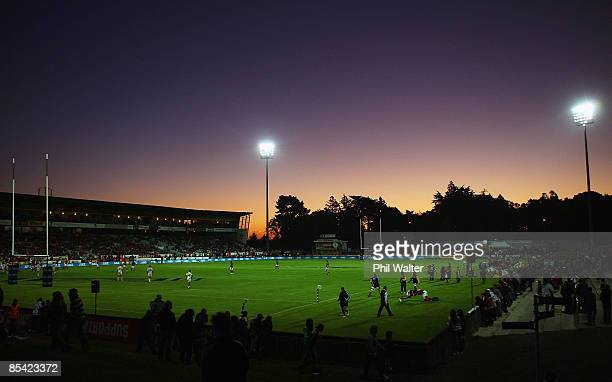 A general view of play during the round five Super 14 match between the Highlanders and the Chiefs at Rugby Park on March 14 2009 in Invercargill New...