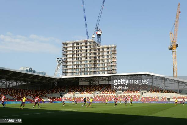 General view of play during the Sky Bet Championship match between Brentford and Huddersfield Town at Griffin Park, London, UK, on September 19, 2020.