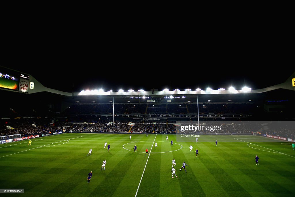 A general view of play during the UEFA Europa League round of 32 second leg match between Tottenham Hotspur and Fiorentina at White Hart Lane on February 25, 2016 in London, United Kingdom.
