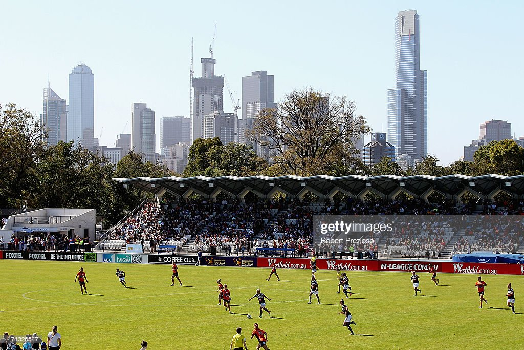 A general view of play during the W-League Grand Final match between the Melbourne Victory and the Brisbane Roar at Lakeside Stadium on February 23, 2014 in Melbourne, Australia.