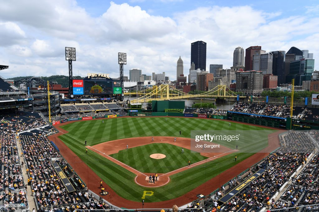 San Diego Padres v. Pittsburgh Pirates : News Photo