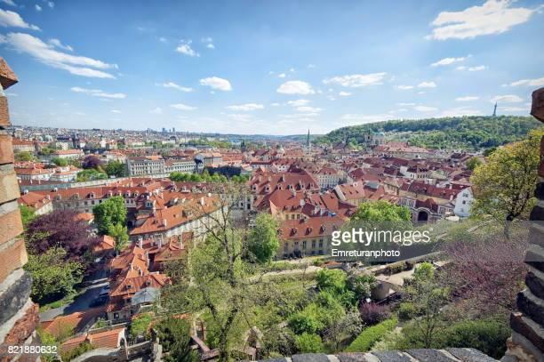 general view of prague from castle walls. - emreturanphoto stock-fotos und bilder