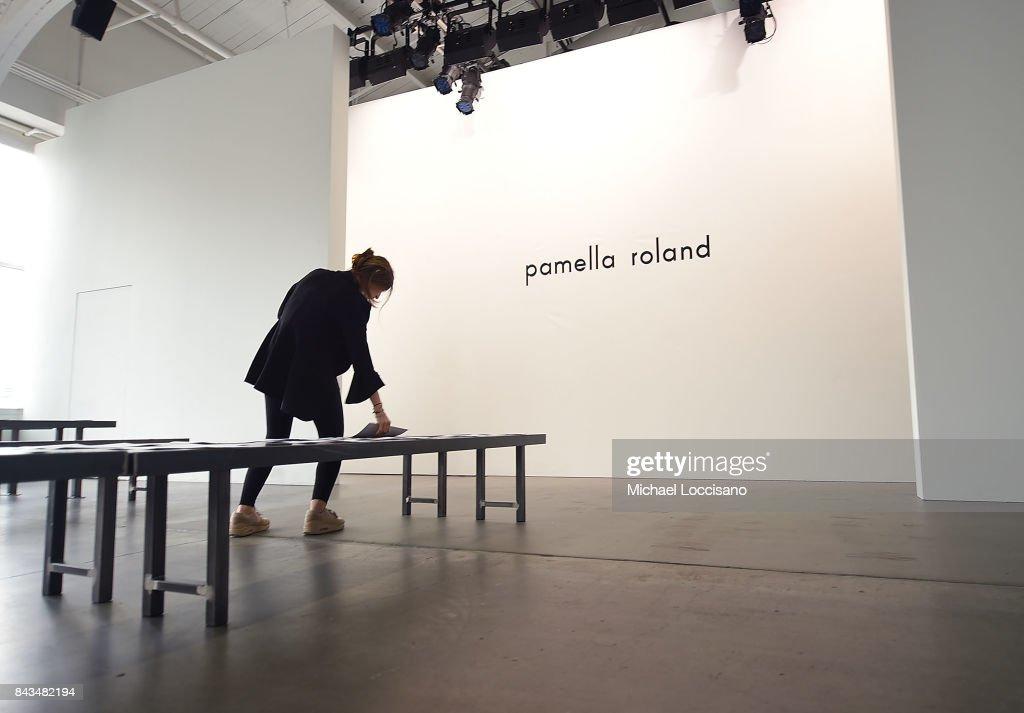 Pamella Roland - Front Row - September 2017 - New York Fashion Week : ニュース写真