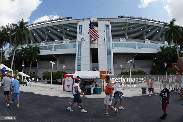 General view of Pro Player Stadium during the game between the Houston Texans and the Miami Dolphins on September 7 2003 in Miami Florida The Texans...