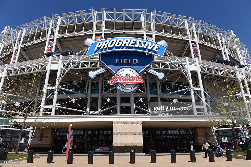 Toronto Blue Jays v Cleveland Indians : News Photo