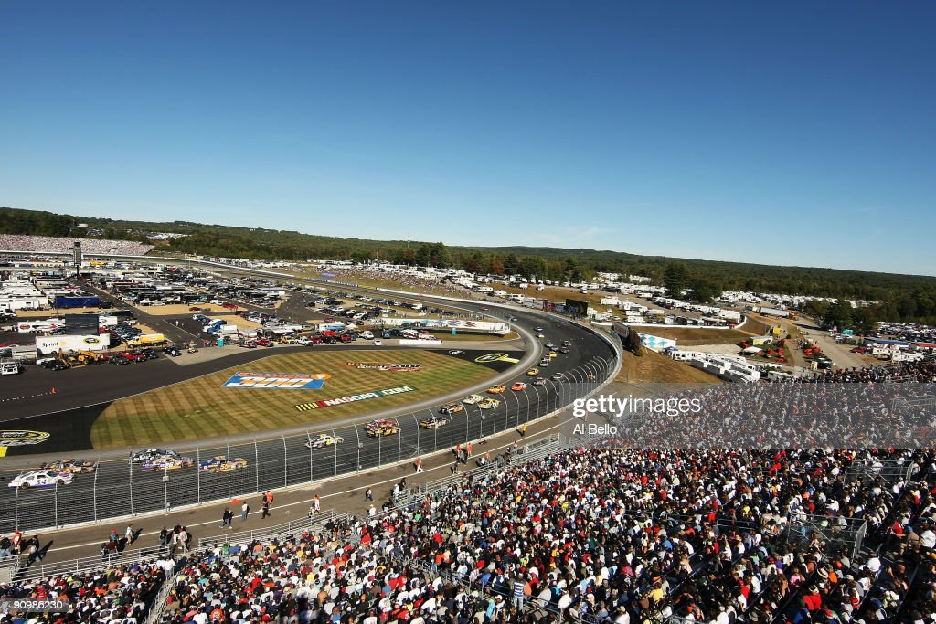 A general view of race action during the NASCAR Sprint Cup Series Sylvania 300 at the New Hampshire Motor Speedway on September 20, 2009 in Loudon, New Hampshire.