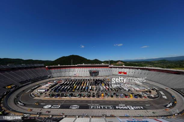 General view of racing during the NASCAR Cup Series Food City presents the Supermarket Heroes 500 at Bristol Motor Speedway on May 31, 2020 in...