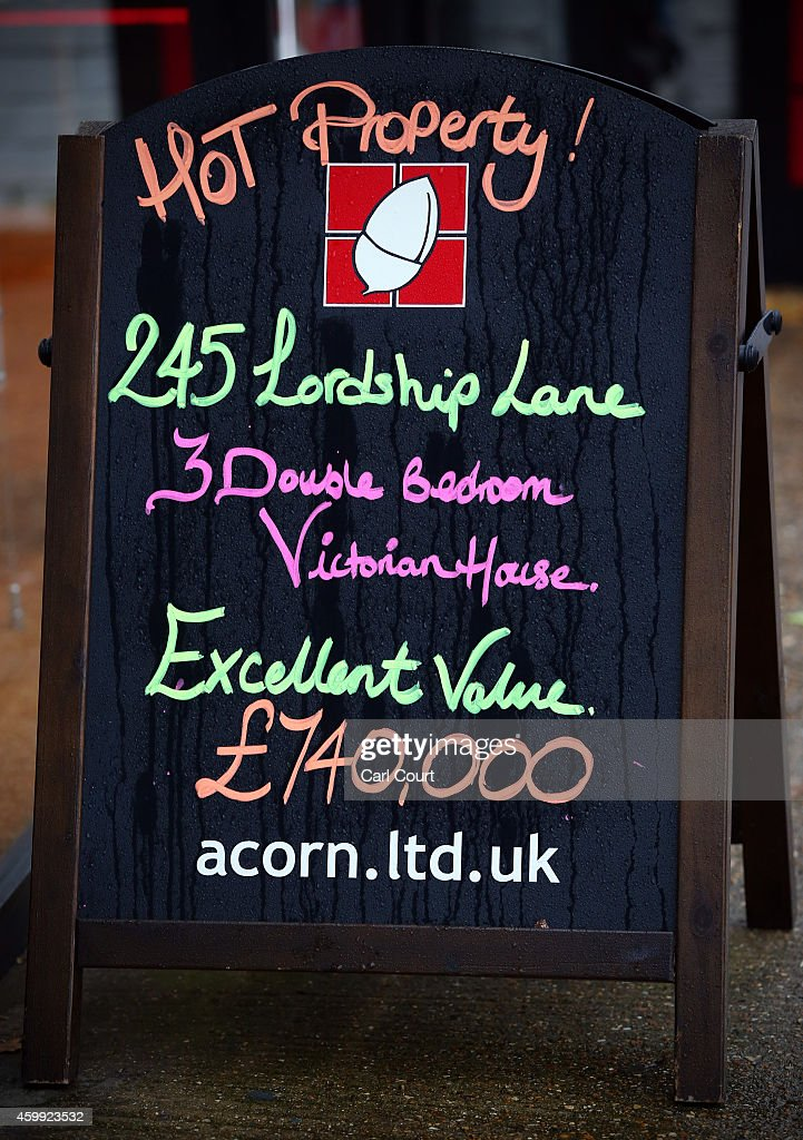 A general view of signage outside an estate agents on December 4, 2014 in in East Dulwich, London, England. In his autumn statement, Chancellor of the Exchequer, George Osborne, cut the rate of stamp duty for lower-value house sales and raised it on those worth more than £1.5m in a move that would cut the rate of tax for 98% of house purchases.