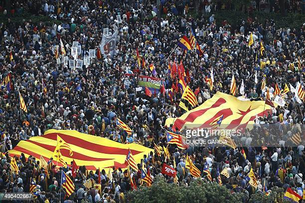 General view of supporters of the Independence of Catalonia and Republicans celebrates the Spanish King Juan Carlos abdication during a demonstration...