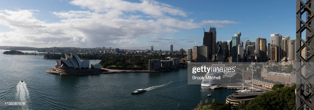 Sydneysiders Marks 30th Anniversary Of Clean Up Sydney Harbour : News Photo