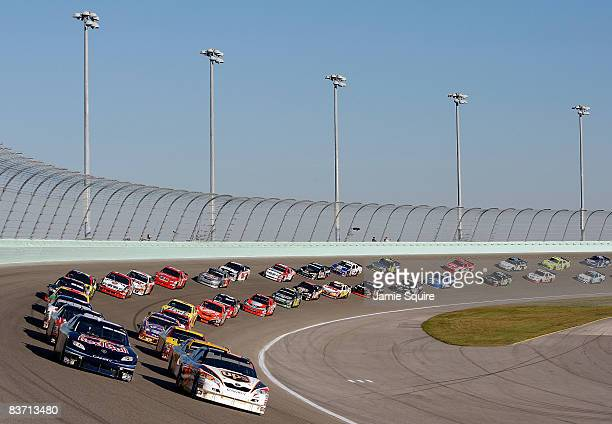General view of th start during the NASCAR Sprint Cup Series Ford 400 at Homestead-Miami Speedway on November 16, 2008 in Homestead, Florida.