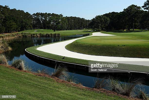 A general view of the 11th green during the first round of THE PLAYERS Championship at the Stadium course at TPC Sawgrass on May 12 2016 in Ponte...