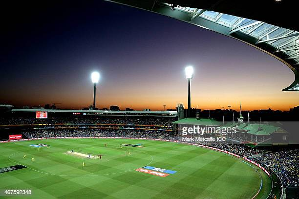 General view of the 2015 Cricket World Cup Semi Final match between Australia and India at Sydney Cricket Ground on March 26, 2015 in Sydney,...