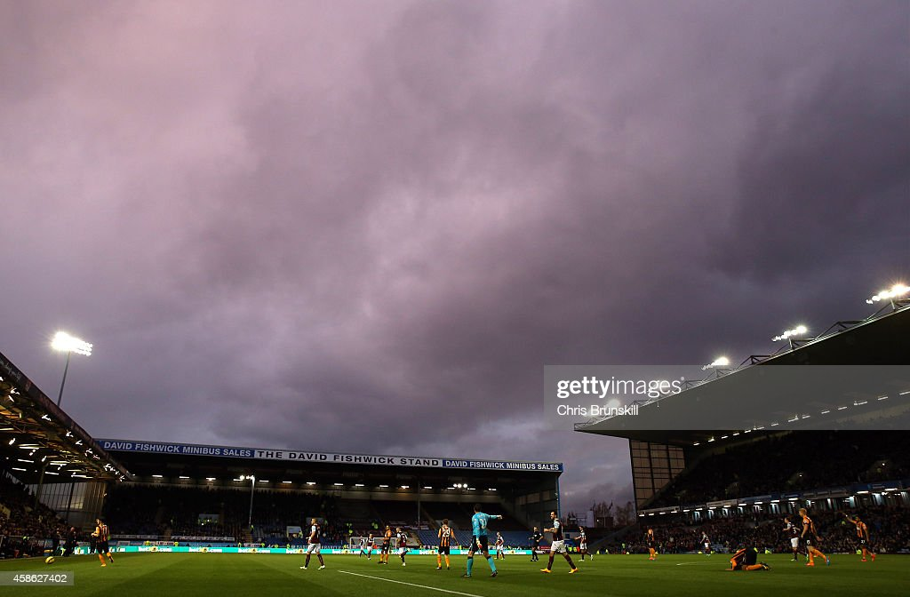 A general view of the action during the Barclays Premier League match between Burnley and Hull City at Turf Moor on November 08, 2014 in Burnley, England.