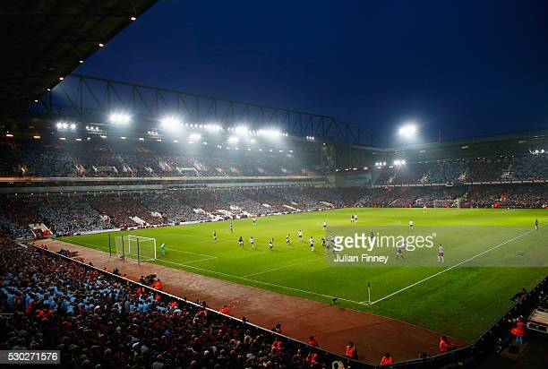 A general view of the action during the Barclays Premier League match between West Ham United and Manchester United at the Boleyn Ground on May 10...